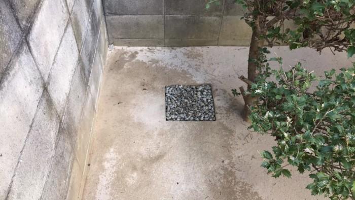 固まる土の天然の雨水マス
